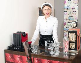 waitress � la